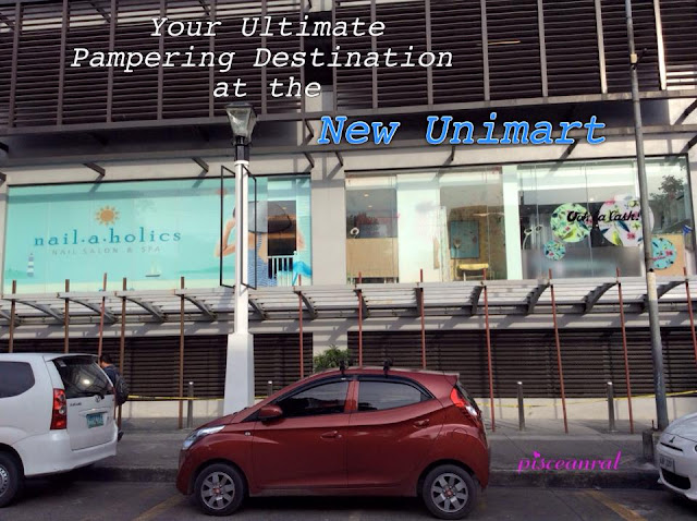 Greenhills, the ultimate pampering strip is now open in the New Unimart! You don't have to go far since  Hey Sugar, Nailaholics and Ooh La Lash are adjacent to each other! The place is so cool and fresh, ready to serve your beautification needs- be it lashes, waxing, nails and more!