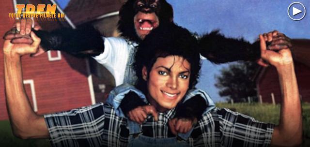 Vom vedea un film biografic despre viaţa lui Michael Jackson, văzută prin ochii cimpanzeului său, Bubbles.
