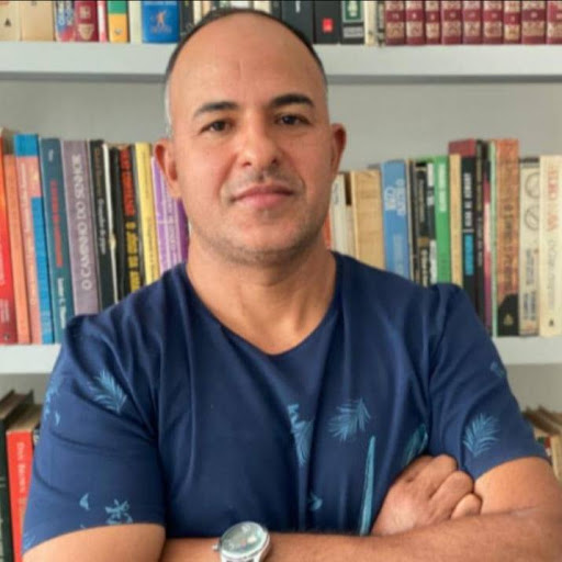 Adeir Alves - Professor de Educação Física; Formado pela Universidade de Franca-SP (UNIFRAN)