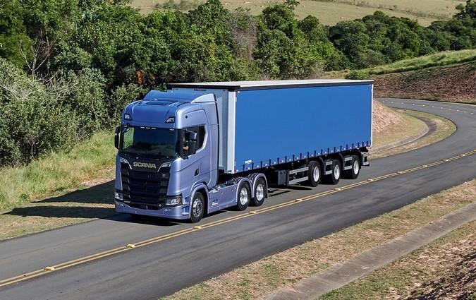 Scania lança Acelerador Inteligente e passar garantir até 20% de economia de diesel