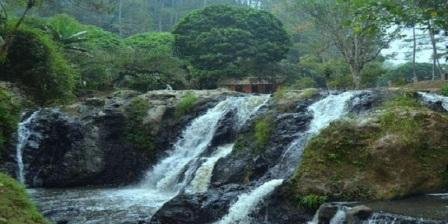 Permalink ke Air Terjun Maribaya Tempat Wisata Alam di Lembang Bandung