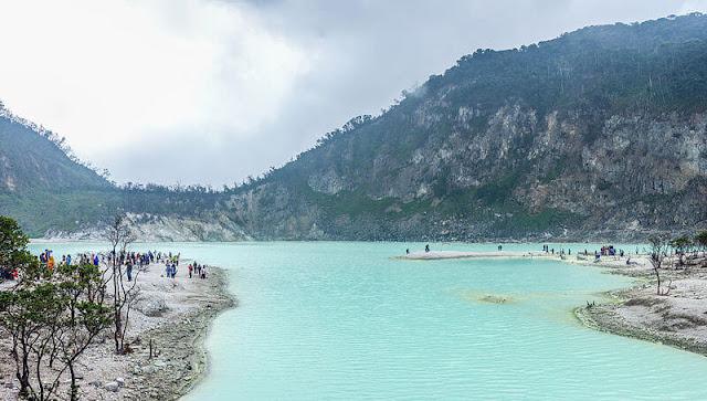 Wisata Kawah Putih di Bandung Jawa Barat