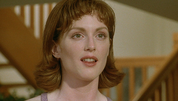 julianne-moore-in-short-cuts