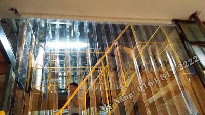 Rèm ngăn lạnh phân khu làm việc tại nhà máy