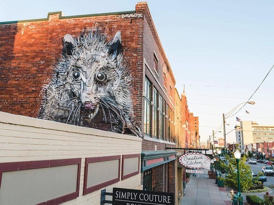 Tupai - Seni Lukisan Binatang Menakjubkan Dan Kreatif Dari Bahan Sampah