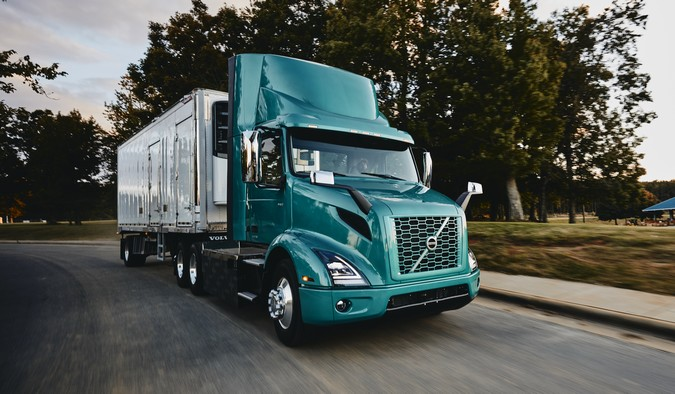 Volvo inicia venda de caminhões elétricos na América do Norte