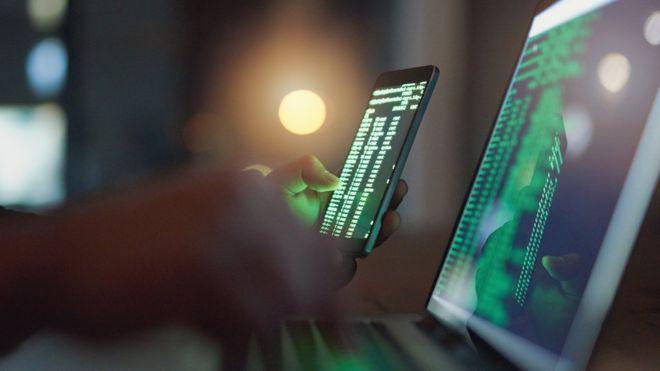 El fallo de seguridad que permite a hackers modificar archivos enviados por WhatsApp y Telegram