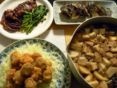 ホタテフライに生ニシン焼きにイカ焼きと芋煮