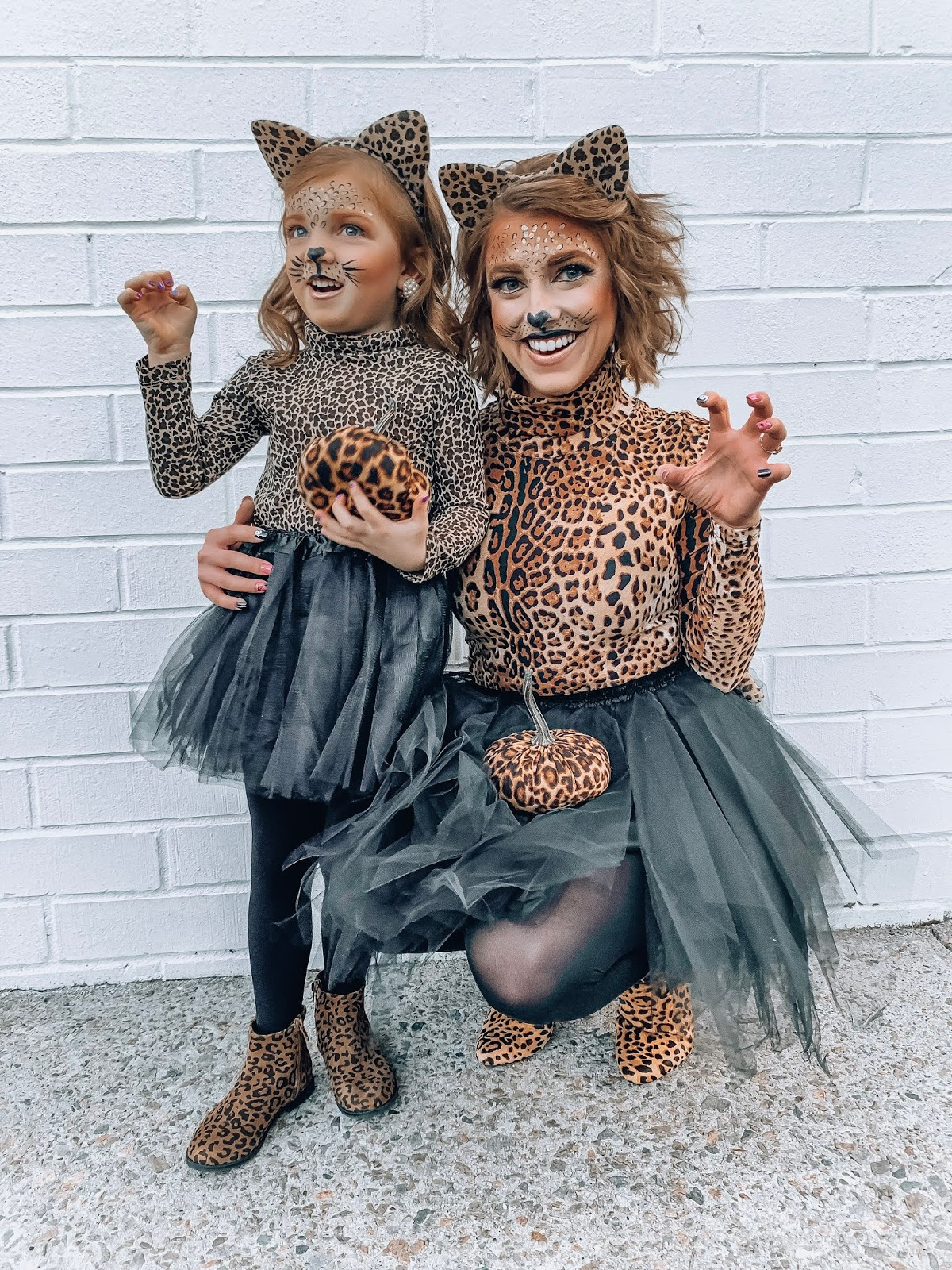 Mommy & Me Halloween Costume Ideas: DIY Leopard Costumes - Something Delightful Blog #leopardcostumes #HalloweenDIY #Mommyandmehalloween #mommyandmecostumes #DIYCostumes #Halloween2019