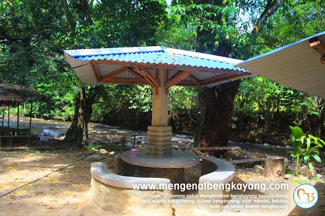 gajebo_riam_madi_bendungan_madi_kabupaten_bengkayang