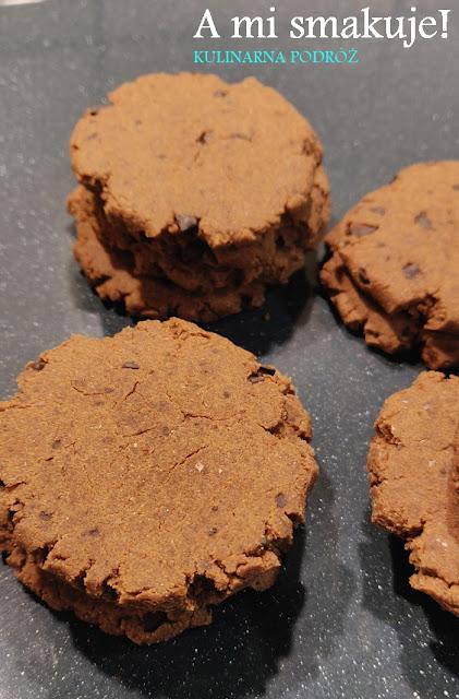 Wegańskie jaglane ciasteczka z czekoladą