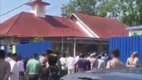 Disorot Jokowi, Begini Duduk Perkara Penolakan Renovasi Gereja di Kepri