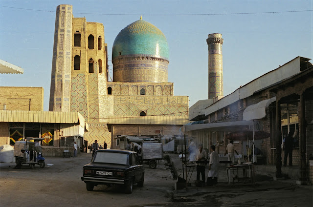 Ouzbékistan, Samarcande, Mosquée Bibi Khanym, Siyab, © Louis Gigout, 1999