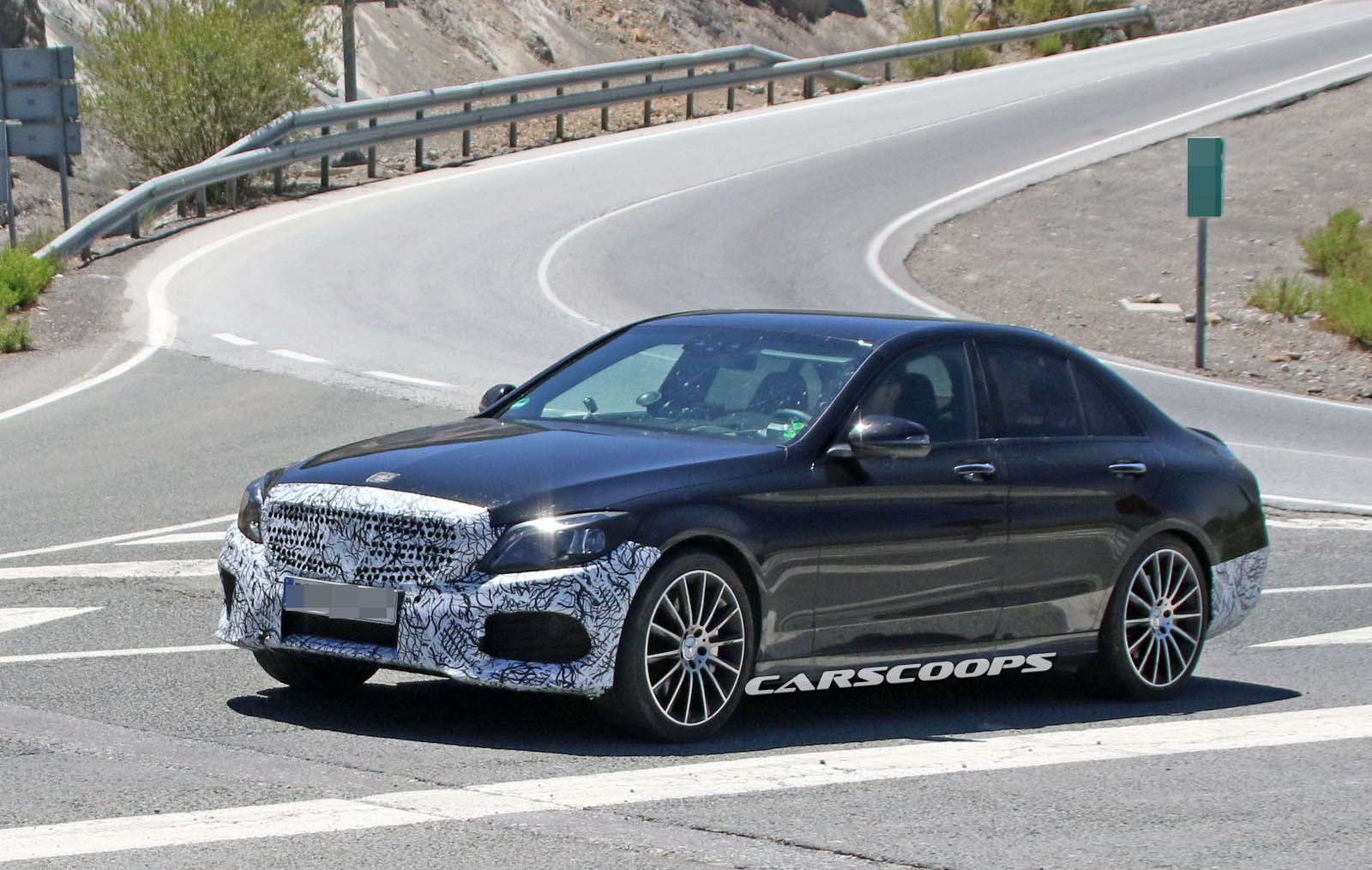 mercedes c class facelift looks about ready for its big debut carscoops. Black Bedroom Furniture Sets. Home Design Ideas