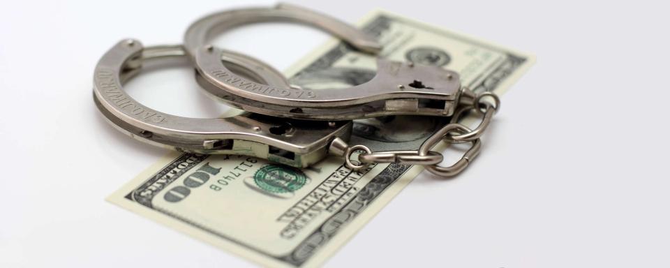 1100 доларів хабаря: на Черкащині затримано заступника військового комісара