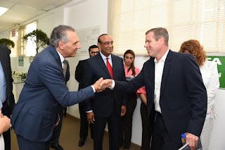 Ministro José Ramón Peralta se reúne con 17 altos ejecutivos de Timberland en Santiago