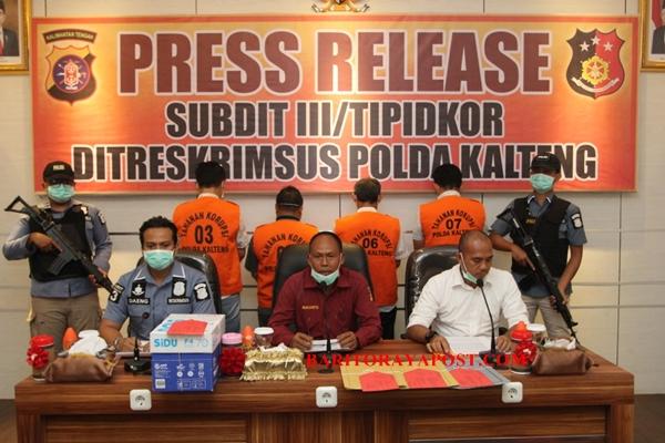 Polda Kalteng Serahkan Kasus Korupsi Pengurukan Jalan di Kasongan ke Kejaksaan