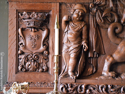 The Cartouche The ornament Cartouche, Baroque style ornaments, Cartouche, Wooden cartouche carved by Ornamental woodcarver for a decoration in wood or paneling. A wooden cartouche is always made by a woodcarver.