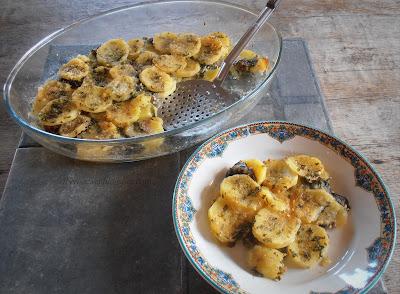 ~ Ortigas u ortiguillas de mar, al horno con patatas ~ Perol as forn amb ortigas de la mar ~