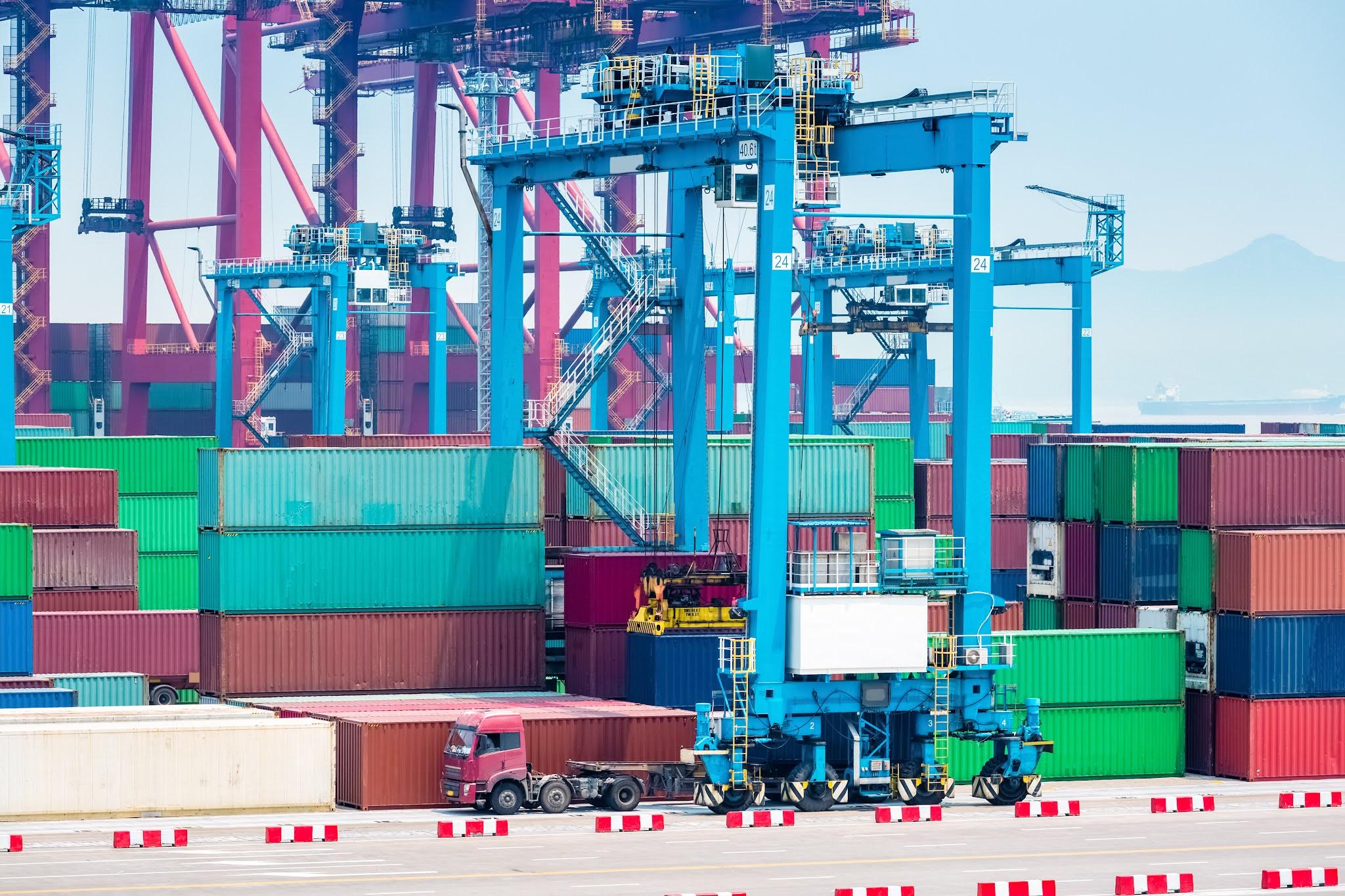 حجم التجارة بين دولة الإمارات UAE ومملكة البحرين يشهد انتعاشا كبيرا في الربع الثاني