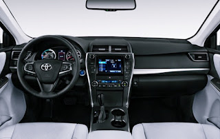 2018 Toyota Camry Hybrid Sedan Review Interior