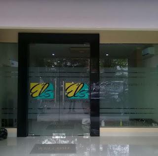 Stiker Kaca Kantor Jakarta