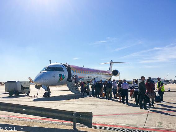 Avion en pista de Air Nostrum. Iberia