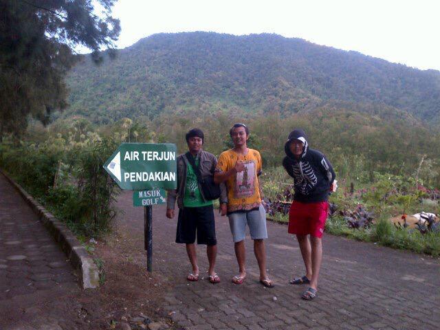 Pendakian Ke Air Terjun Cibeureum Di Gunung Pangrango