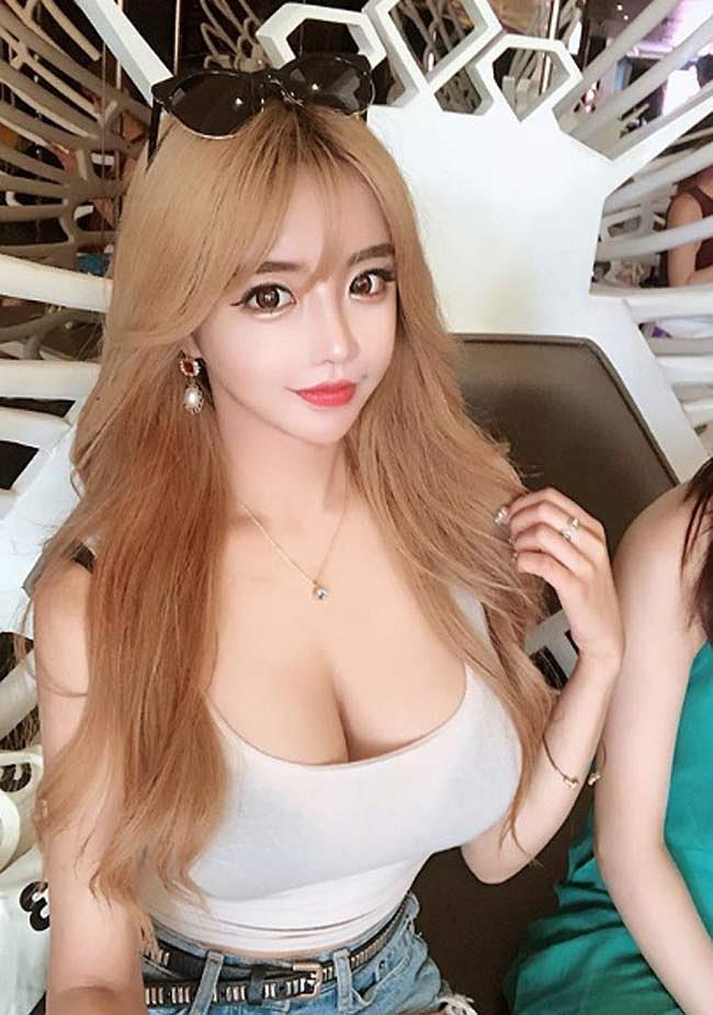 2 mỹ nhân đẫy đà Hàn Quốc làm phái mạnh ngẩn ngơ vì kiểu mặc quá gợi cảm