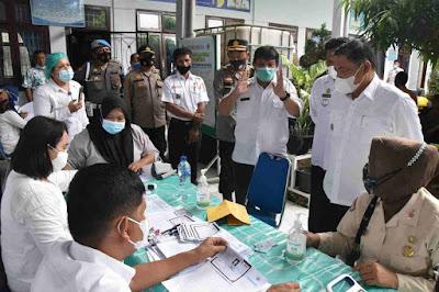 Wabup Deli Serdang HM Ali Yusuf Siregar Tinjau Pelaksanaan Vaksin Covid-19 Di Puskesmas Hamparan Perak