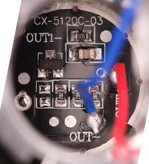 Rangkaian dalam Senter LED Cree XML T6