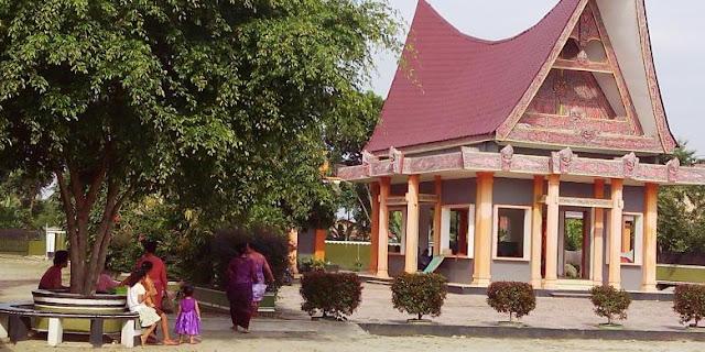 Kisah Penganut Agama Leluhur Batak yang Terasing di Negeri Sendiri