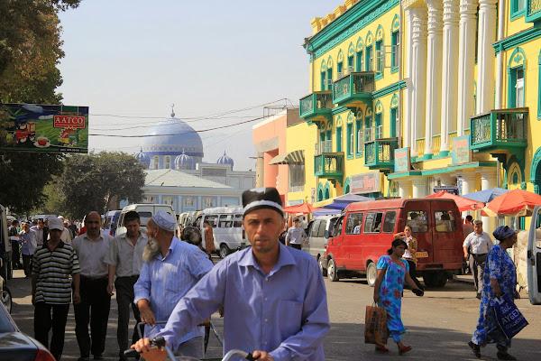Tadjikistan, Khodjent, Rue Shark, Mosquée Seikh Mislikhiddin, © L. Gigout, 2012