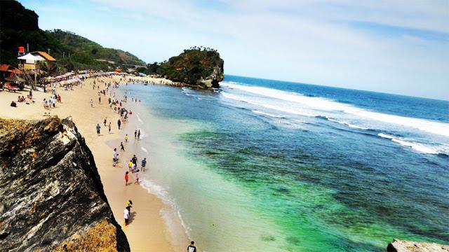 Pantai Indrayanti Gunungkidul, Satu yang Romansa Cinta dari Jogja