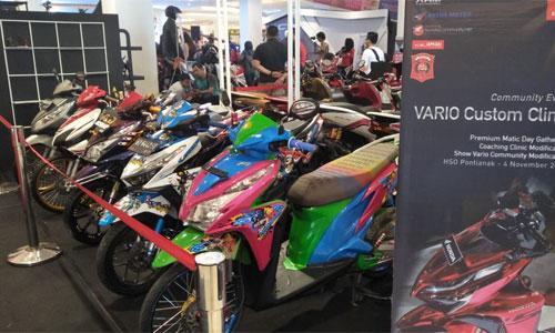 Komunitas Matic Honda mengikuti Vario Custom Clinic   Sumber : ASTRA MOTOR PONTIANAK