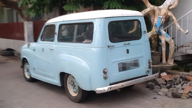 Austin A35 country