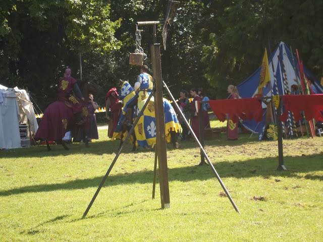 Tunier mit Rittern zu Pferd auf dem Mittelaltermarkt Angelbachtal 2016