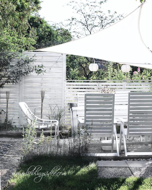 Garten Essecke Sichtschutz Trennwand DIY weiss Segel Sonnenschutz