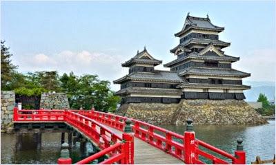 ปราสาทมัตสึโมโตะ (Matsumoto Castle)