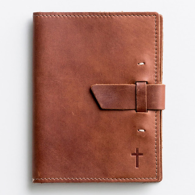 https://shareasale.com/r.cfm?b=213520&u=960378&m=25848&urllink=www%2Edayspring%2Ecom%2Fleather%2Djournal%2Dwith%2Dcross%2Dbuckle%2Dclosure%2Dlimited%2Dedition&afftrack=