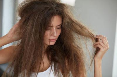 perawatan rambut kering dan mengembang