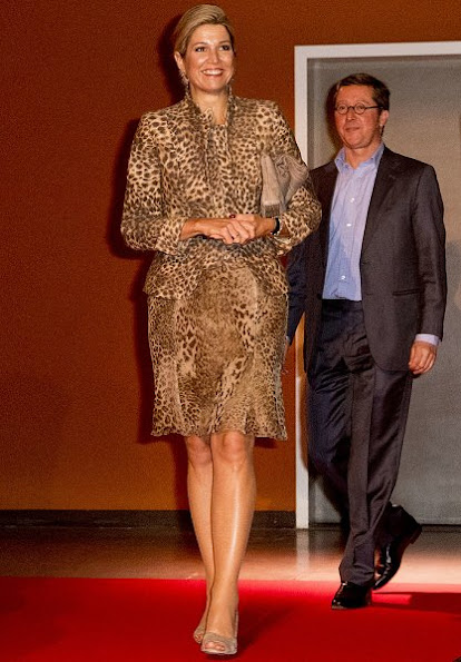 Google Netherlands, Netherlands Qredits Microfinance. Queen Maxima wore Natan Leopard Dress