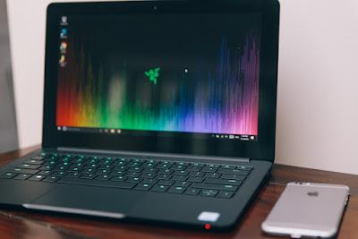 laptop-technoob-technology
