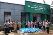 Polda Aceh Salurkan Ratusan Sembako Untuk Nelayan