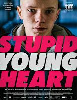 Poster de Estúpido y joven corazón