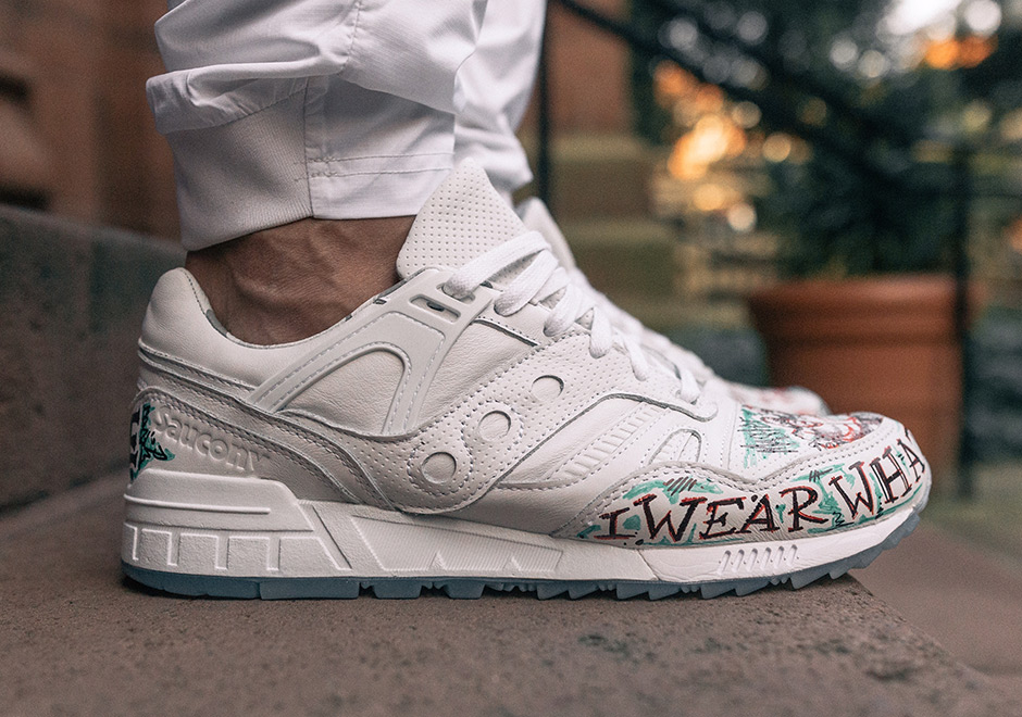"""f8ae7c2054af The TBlake x Saucony Grid SD """"Triple White"""" will be limited to only 100  pairs"""