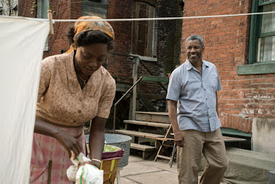Fences Movie Denzel Washington and Viola Davis Image 2 (17)