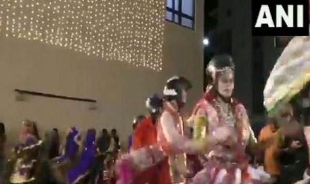 नवरात्री पर हेलमेट पहनकर किया गरबा डांस - newsonfloor.com