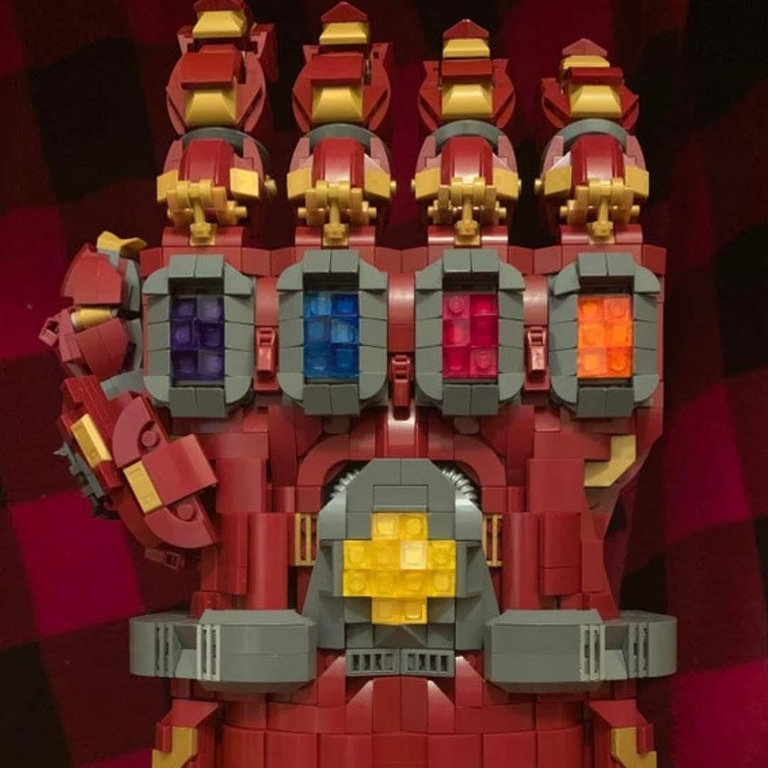 Lego Iron Gauntlet : LEGO で作ったアイアン・ガントレット ! !