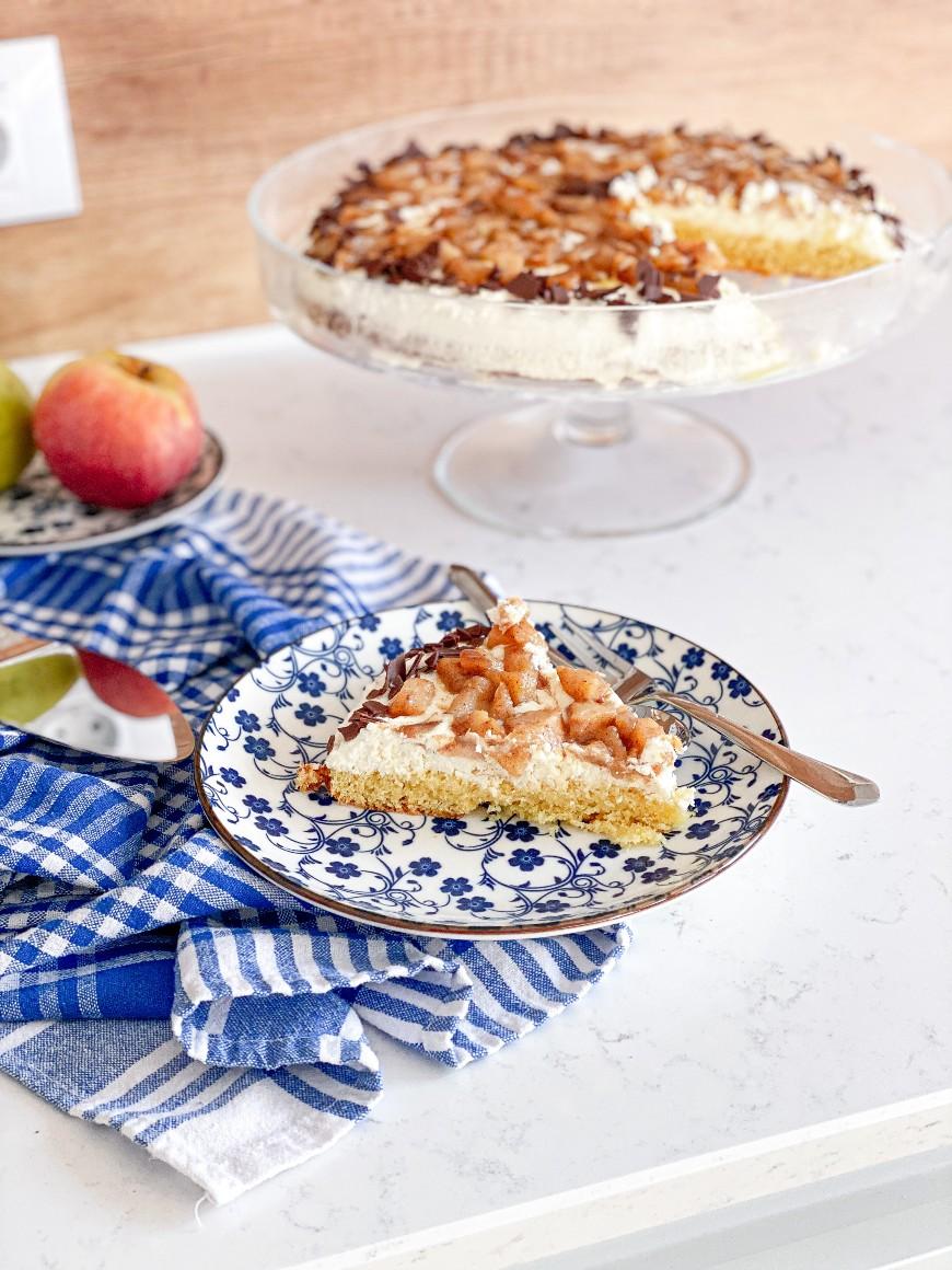 лесна торта с ябълки и круши